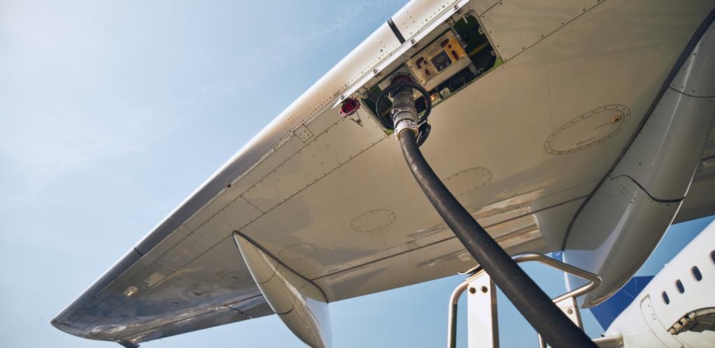 Ravitaillement de l'avion - Istock