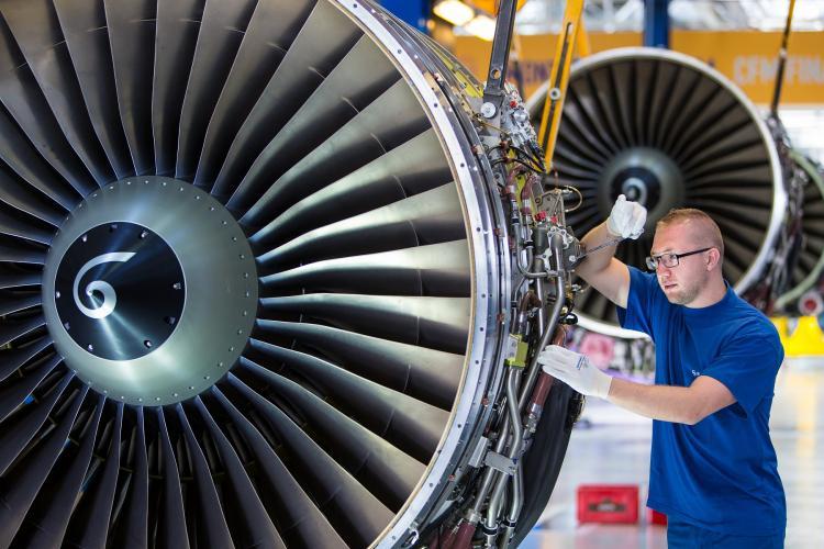 Assembly - CFM56-5 engine