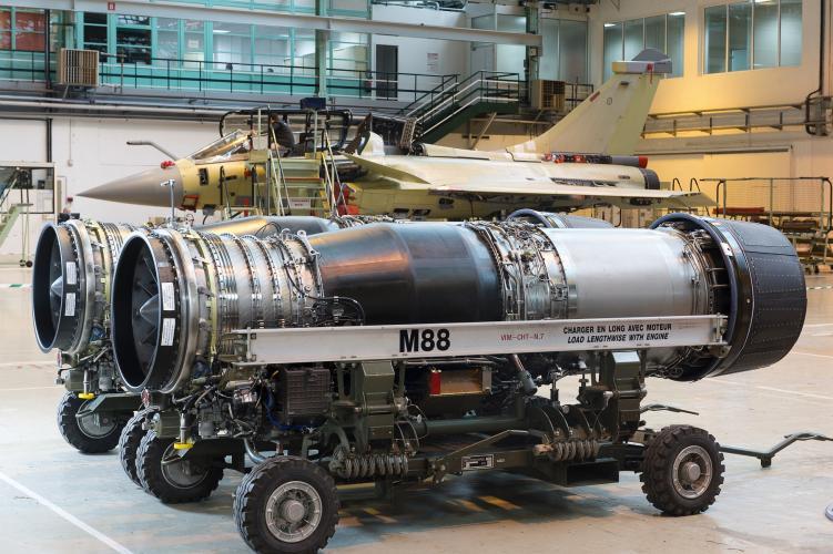 Assembly M88 on Rafale - Dassault Mérignac