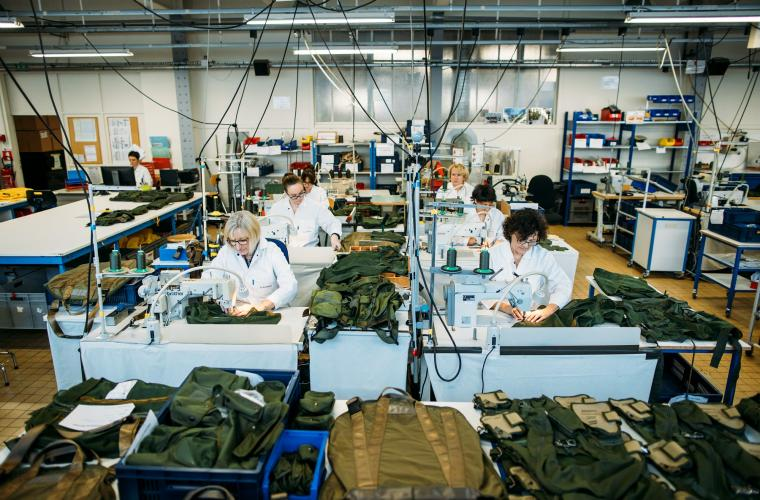 Military Products : combat vest stitching