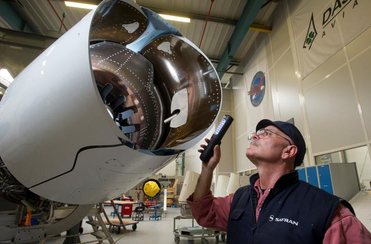 Control of a Falcon 7X nacelle, Pratt & Whitney Canada