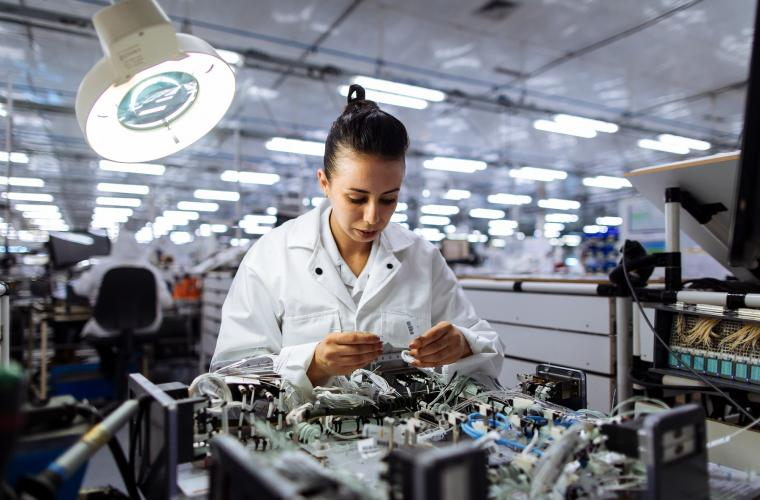 Atelier de câblage assisté pour la ligne Airbus A350