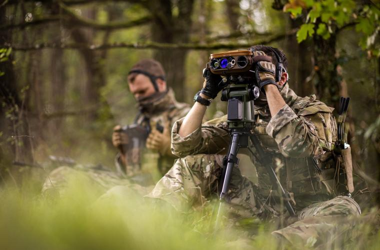 JIM COMPACT (lightweight, multifunctional and long range binocular with advanced connectivity) & STERNA (Infantry Target Acquisition System) on Tripod  Infantryman with Osteophonic band & GETAC tablet (SICS disembarked)