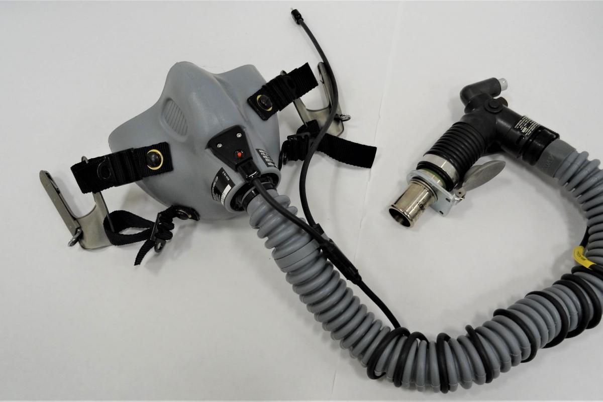 MBU-12 military Oxygen mask