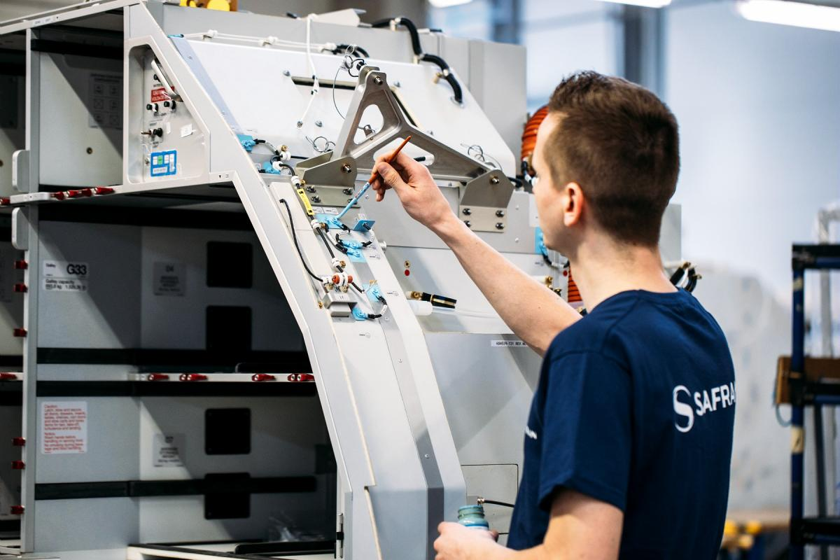 Assembly of A320neo G5 galleys