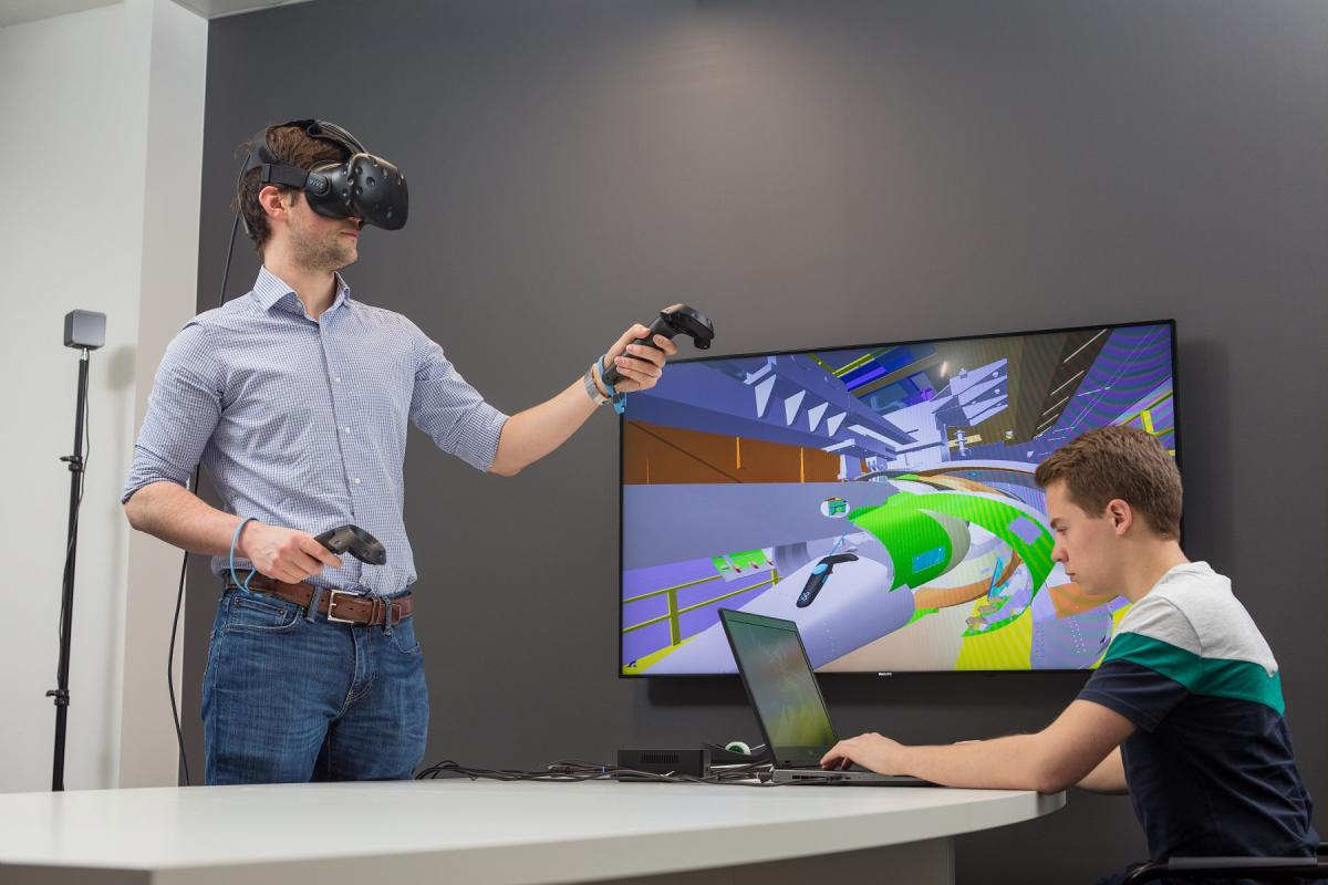 Immersive experience in a test bench in VR