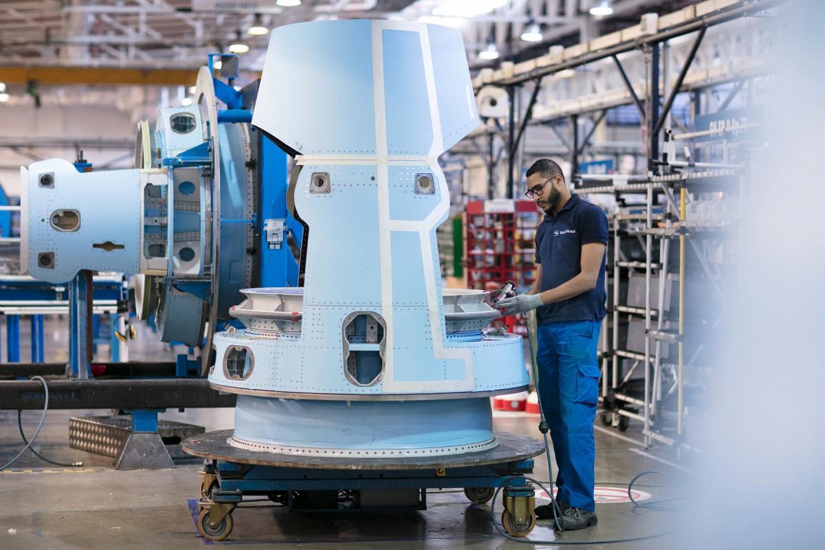 BR710 thrust reverser assembly