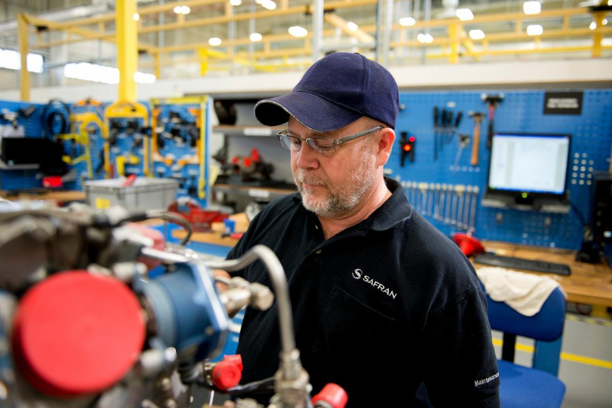 Maintenance of turboshaft Arriel engine