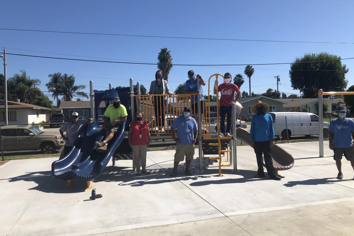 Construction of a playground Safran Cabin Give and Grow Association