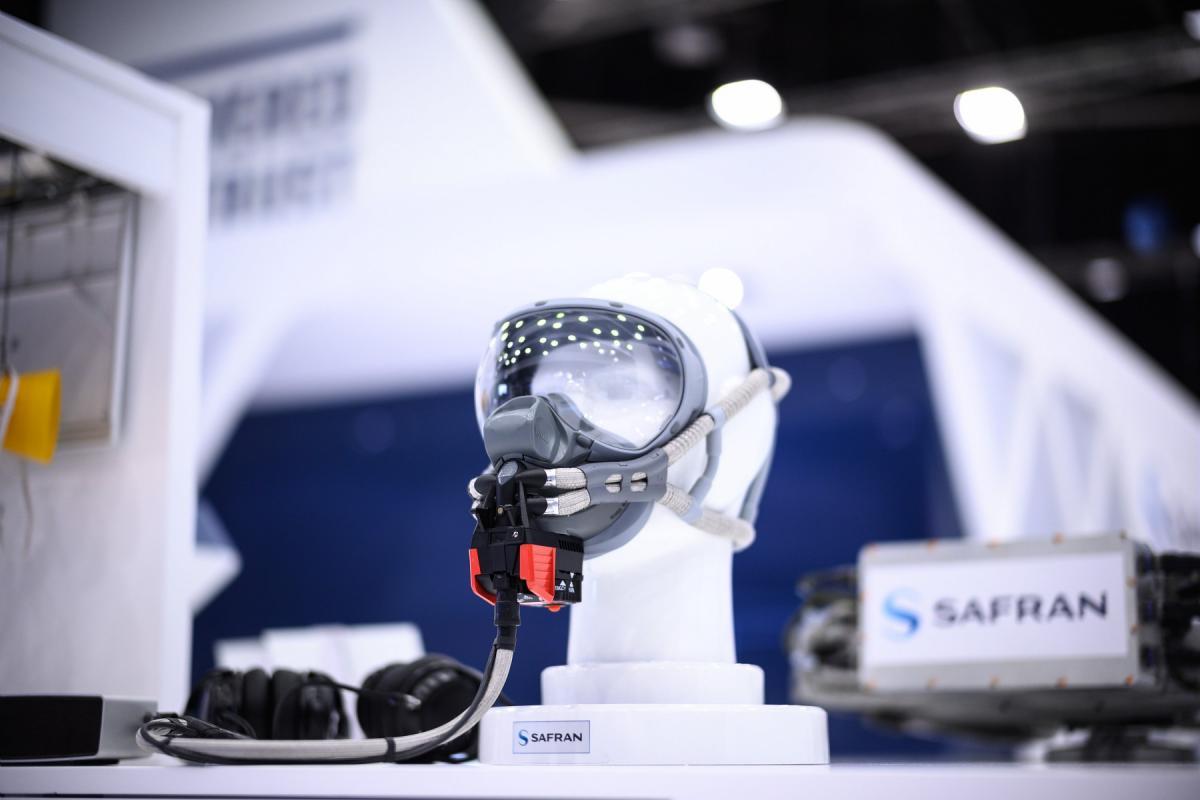 MLD40 EROS crew oxygen mask