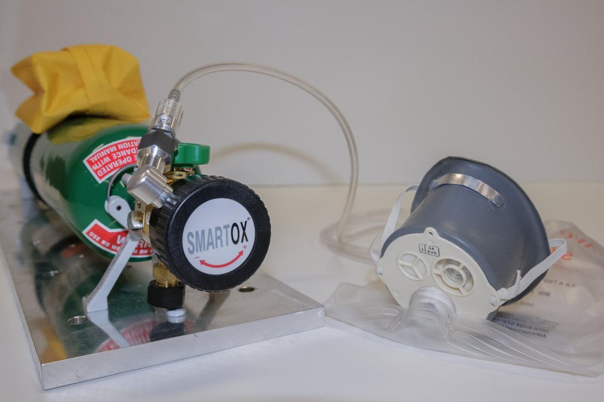Oxygen cylinder SmartOx (TM)