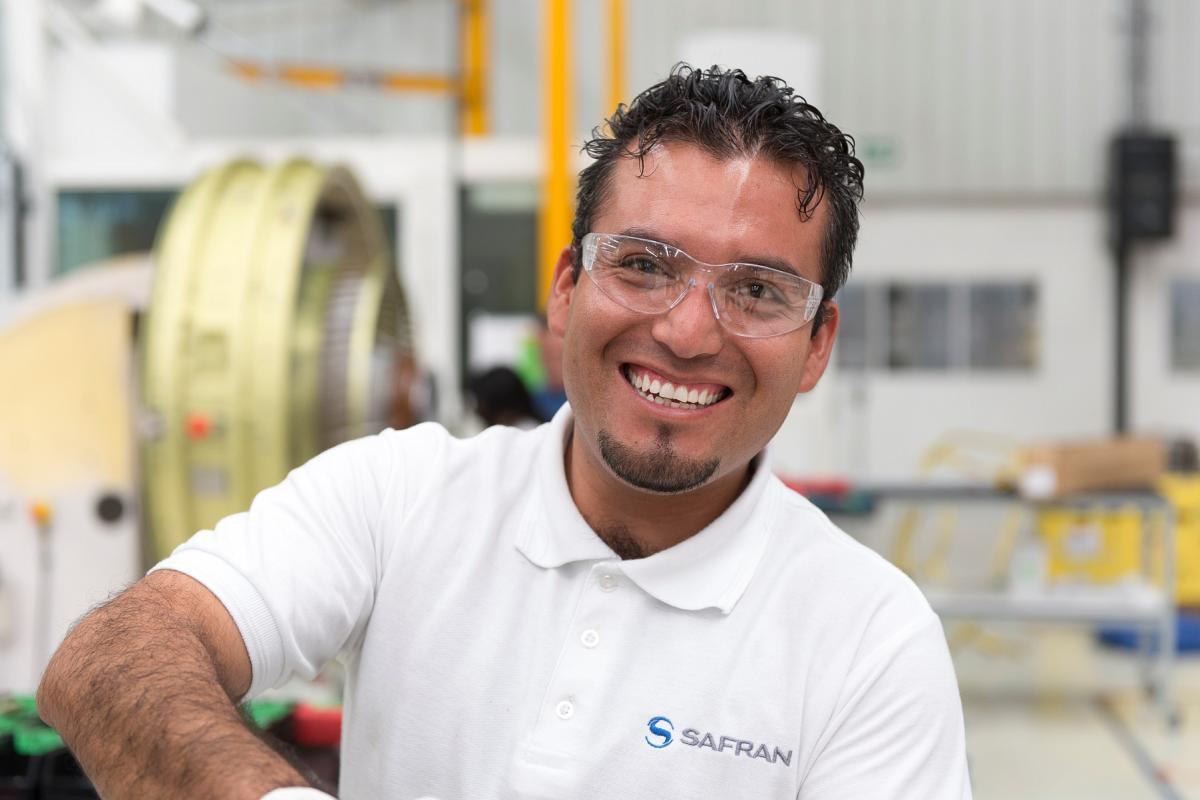 Safran Aircraft Engines Mexico - portrait of workman