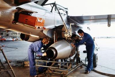 timeline_1973_moteur_larzac_sur_laser_jet