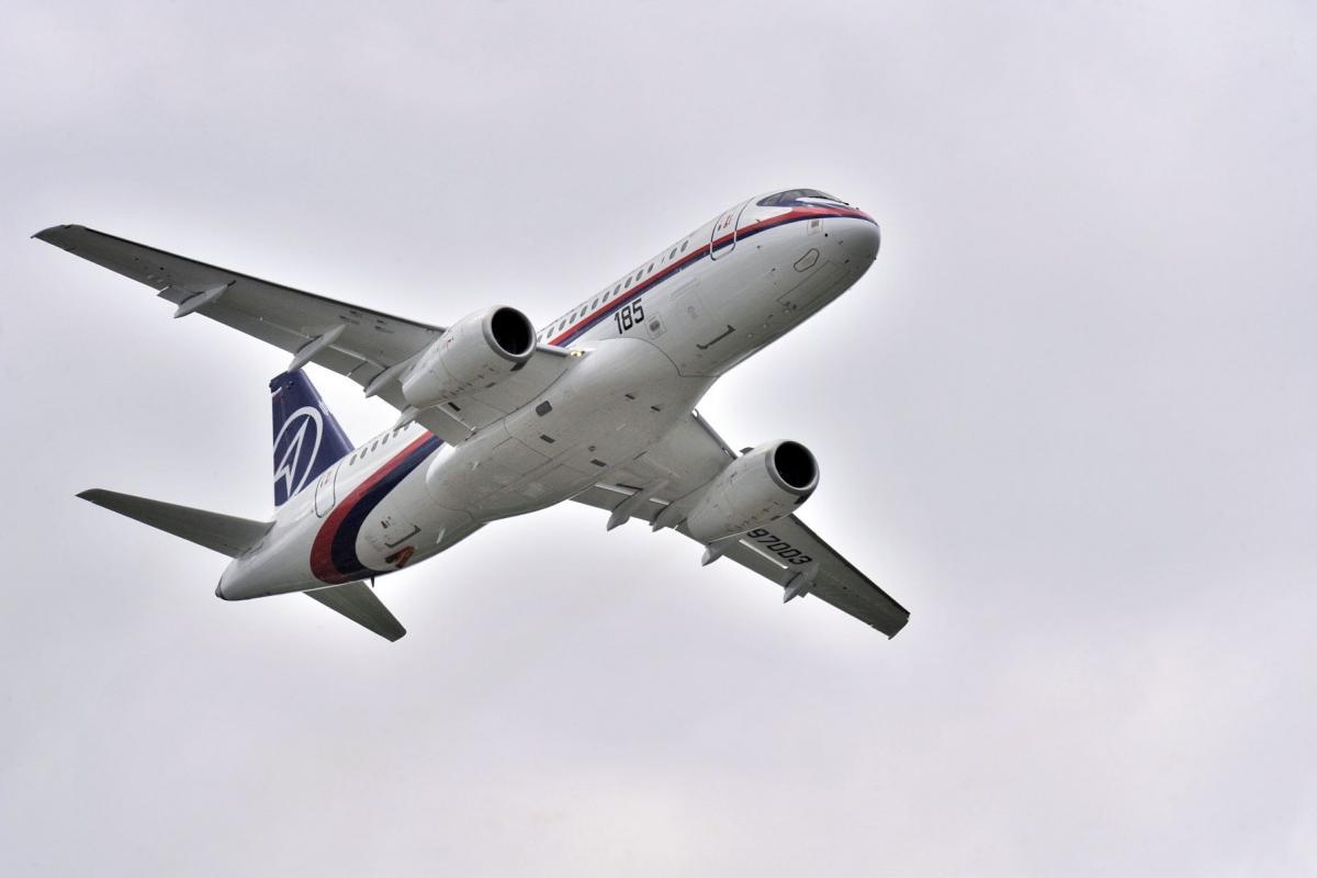 Salon du Bourget 2009 - Démonstration en vol du Superjet 100 de Sukhoï Civil Aircraft