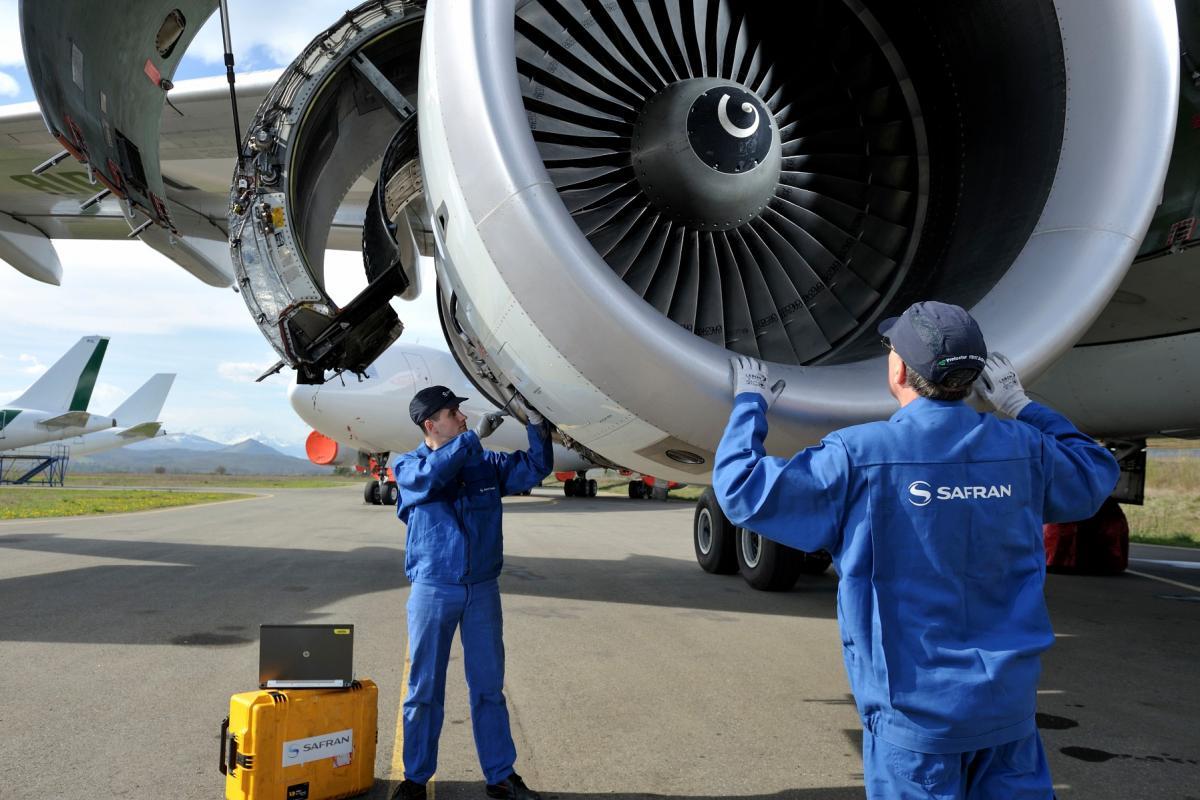 Maintenance on wing