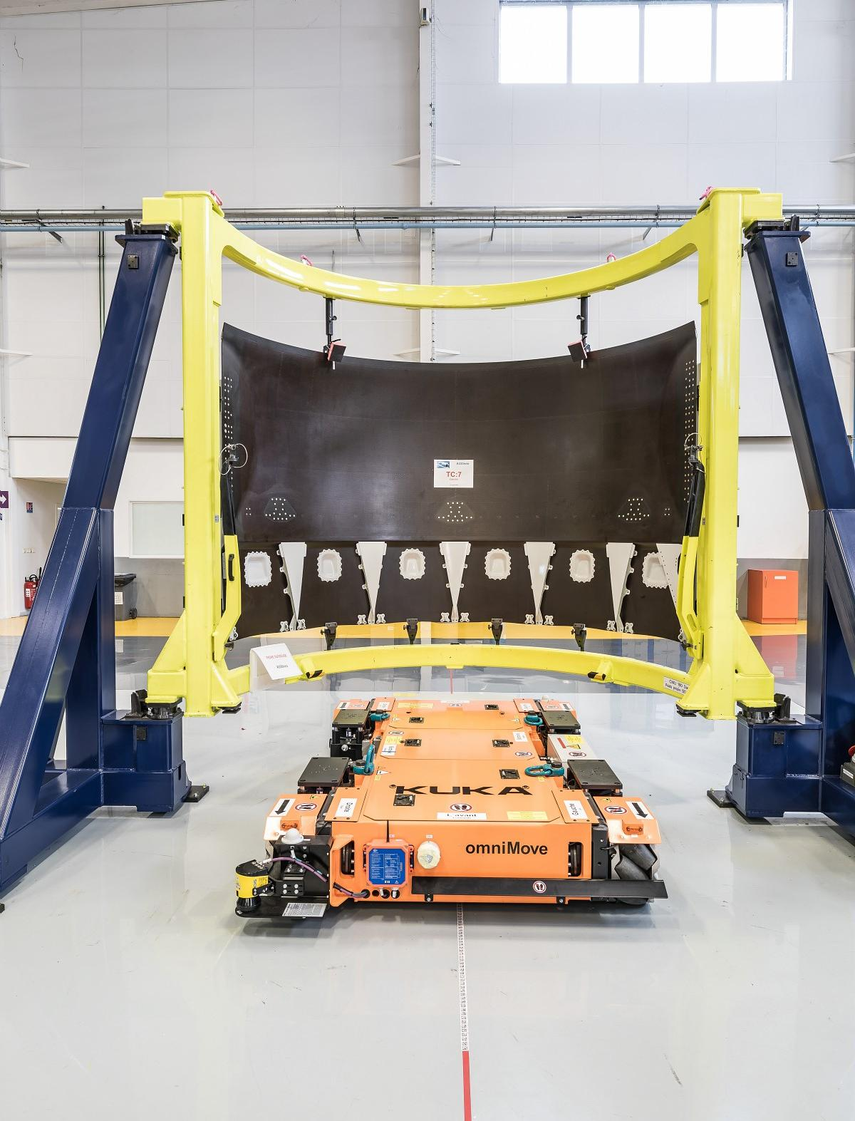 New assembly line dedicated to A330neo thrust reversers and omniMove, transport platform for heavy loads (Kuka)