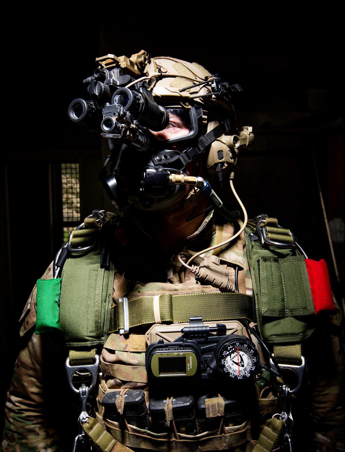 Parachute Jumpman with Enhanced Clip-On SWIR Imager (ECOSI)